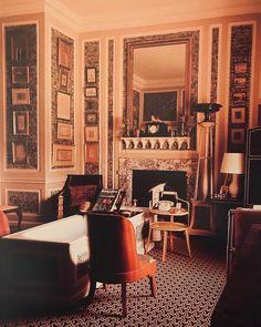 David Hicks : bathroom. #davidhicks Masculine Bathroom, David Hicks, Oversized Mirror, Furniture, Home Decor, Decoration Home, Room Decor, Home Furnishings, Home Interior Design