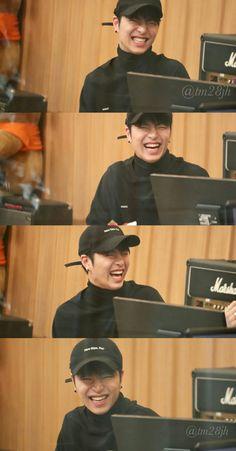 I love the way he smiles Kim Jinhwan, Chanwoo Ikon, Jooheon, Winwin, Ikon Member, Ikon Kpop, Koo Jun Hoe, Ikon Debut, Manish