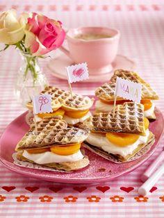 Kuchen zum Muttertag: Leckere Backideen für Mama | Wunderweib Muffins, Snacks, Baking, Party, Breakfast, Recipes, Diys, Foods, Best Cake Recipes