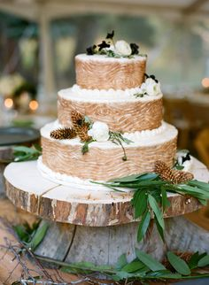 Rustic presentation for wedding cake