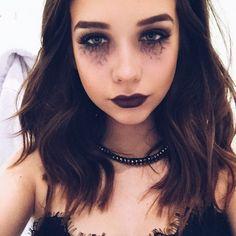 Sexy goth makeup