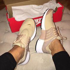 Nike nude @KortenStEiN