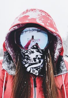 women's snowboarding - oakley goggles - girls snowboard too - powder - girl snowboarding pictures
