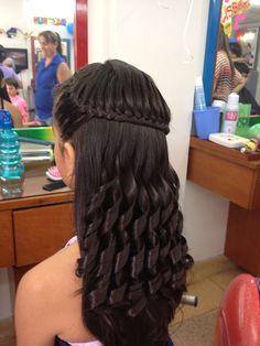 Hermoso y sencillo peinado