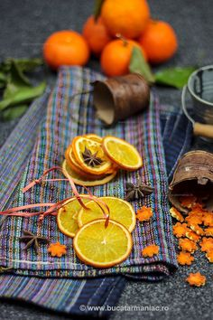 Dry Orange for you and for your Christmas :) Christmas 2019, Christmas And New Year, Simple Christmas, Easy Christmas Decorations, Christmas Crafts, Diy And Crafts, Arts And Crafts, Dried Oranges, My Recipes