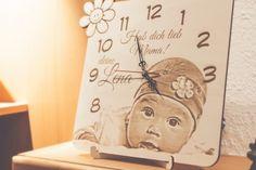 Holzuhr mit Baby Motiv. Perfekt für die Taufe oder Geburtstag geeignet.  |Laser Cut Wood Engraved Baby Motiv, Laser Cutting, Presents, Clock, How To Make, Home Decor, Products, Cash Gifts, Birthday