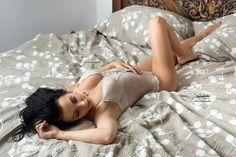 Za oknem -11C nic tam nie rozgrzewa jak gorąca czekolada.   Modelka: Kasia Filla MUA: AM Makeup Studio  Dziękuje za współprace: http://ift.tt/2Ec7N7J  #wroclaw #sesja #sensuality #polishgirl #polishwoman #model #makeup #photoshoot #photosession #sensualphoto #portretowniacompl #igers #art #photogrid #photoofday #wroclove #modelka #cold  #beautifulladies #artshow #artcollector #sesjafotograficzna #fotografwroclaw #fotograf #wroclawphotographer