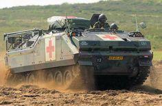 YPR-765 in de gewondentransport-uitvoering (GWT).