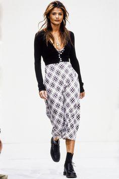 b5fc7cab1de5 90s Fashion, High Fashion, Runway Fashion, Vintage Fashion, Fashion Trends,  Womens