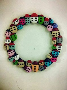 pebble art house wreath