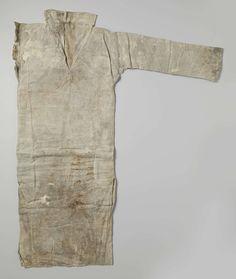 Shirt, lang, vervaardigd van linnen, anoniem, c. 1590 - c. 1596