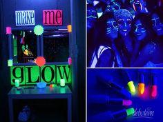 Penteadeira neon na festa (pro pessoal se pintar)