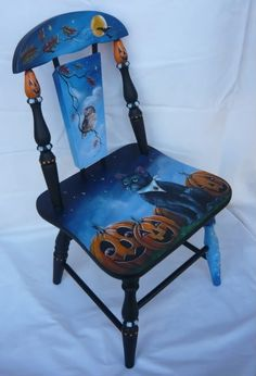 Vintage Halloween Child's Chair DIY - old chair, paints, brushes, inspiration; Halloween Painting, Halloween Kids, Vintage Halloween, Halloween Crafts, Halloween Decorations, Halloween Scene, Halloween Labels, Vintage Witch, Halloween Stuff