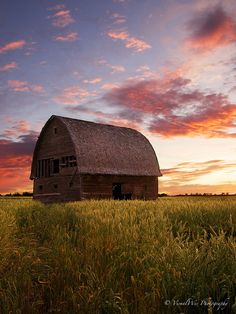 Photography Week- Photo of the day- Prairie Fire by Wesley Fortin Old Buildings, Abandoned Buildings, Prairie Fire, Barn Pictures, Best Barns, Country Barns, Stone Barns, Country Scenes, All Nature