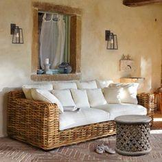 Unser Lieblingsmöbelstück des Tages: das handgefertigte Rattan Sofa Rimini. Das fühlt sich das ganze Jahr an wie Sommerurlaub.... http://www.ambiente-mediterran.de/shop/sofa-rimini