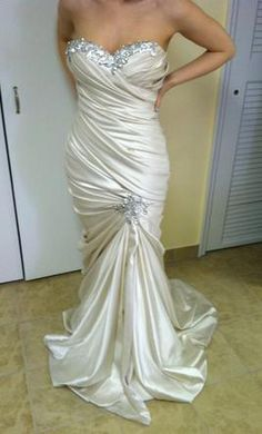 New With Tags Pnina Tornai Wedding Dress 32050106, Size 4