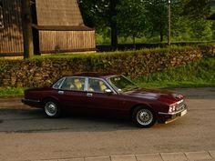 Mikołaj Chawiński  Jaguar Sovereign z 1992 roku  Do wynajęcia :)