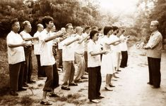 By John Voigt The most important qigong gymnastic is standing and doing nothing. Many masters of traditional Chinese martial arts, spiritual sciences, and healing practices have stated that this is… Chinese Martial Arts, Taoism, Spiritual Practices, Chinese Medicine, Acupuncture, Kung Fu, How To Stay Healthy, Spirituality, Endurance