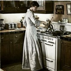 I would have purloined that robe too, Norman! Norman Bates- Bates Motel - He believes that he is his mother, Norma.