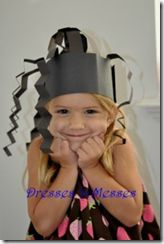 Nursery rhyme themed crafts with lots of pics and links! From Totally Tots blog.