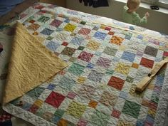 Disappearing Nine Patch Quilt. Love how it looks like a difficult quilt but is actually quite easy!