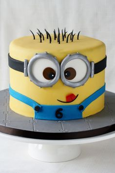 Despicable Me lovers will go bananas over this list of 21 mighty Minion birthday party ideas! From cute treats like Minion pretzels, cookies, cupcakes, and lollipops to clever tips on DIY Minion balloons and a Bolo Minion, Minion Cakes, Cupcake Minions, Fondant Minions, Despicable Me Cake, Pastel Minion, Character Cakes, Cakes For Boys, Boy Cakes