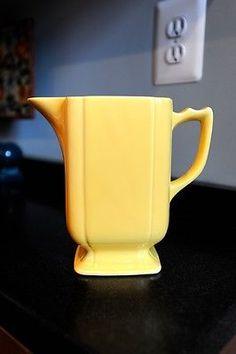 Homer-Laughlin-Riviera-Yellow-Batter-Jug-VHTF