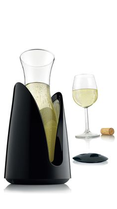 Cooling Carafe // with an outer jacket that keeps drinks ice cold for hours #product_design