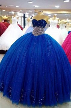 for Blue lovers ! Princess Prom Dresses, Pretty Prom Dresses, Sweet 16 Dresses, Cute Dresses, Beautiful Dresses, Mexican Quinceanera Dresses, Illustration Mode, Quince Dresses, Ball Gown Dresses