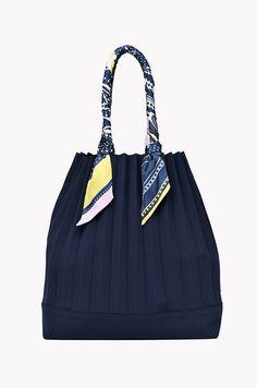 Diy bag storage handbags 30 ideas for 2019 Summer Tote Bags, Diy Summer Clothes, Bag Storage, Storage Ideas, Fabric Bags, Cute Bags, Casual Bags, Knitted Bags, Fashion Bags