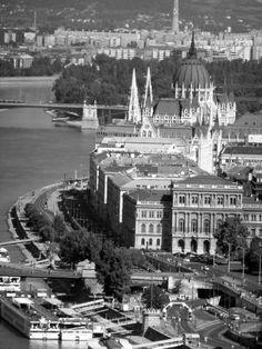 People of HUB Kolektyw while traveling ... Budapest.