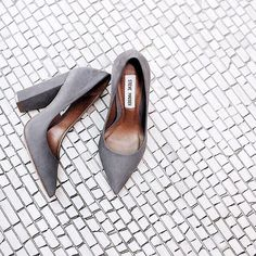 grey black heel pump
