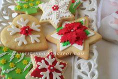 tanti biscotti per decorare l'albero di Natale