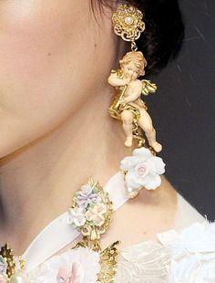 Dolce&Gabanna Fall 2012 Details. #baroque