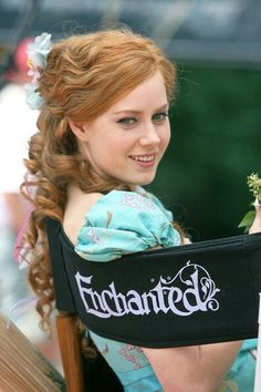 Amy Adams as Princess Giselle - On the set of the film 'Enchanted' Amy Adams Enchanted, Giselle Enchanted, Disney Enchanted, Enchanted Movie, Emily Deschanel, I Love Cinema, Princesa Disney, Disney Love, American Actress