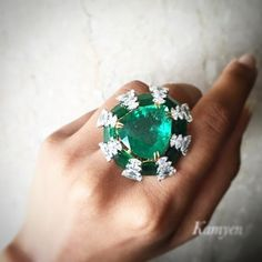 kamyen jewellery never stops surprising me with their unconventional designs and exceptional emeralds!