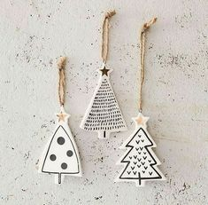 DIY star pendant with gold - tinker Christmas tree charm - . - DIY star pendant with gold – tinker Christmas tree charm – - Diy Star, Navidad Diy, Theme Noel, Noel Christmas, Simple Christmas, Minimal Christmas, Beautiful Christmas, White Christmas, Paper Christmas Trees
