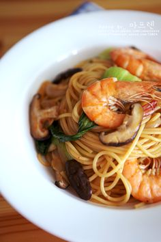 Food Decoration, Korean Food, Fish Recipes, Noodles, Spaghetti, Food And Drink, Cooking Recipes, Yummy Food, Pasta
