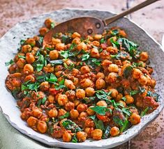Chickpea curry Indian Chickpea Curry, Easy Chickpea Curry, Curry Recipes, Vegetarian Recipes, Vegetarian Lifestyle, Chickpea Recipes, Vegetarian Dinners, Spinach Curry, Vegetable Puree
