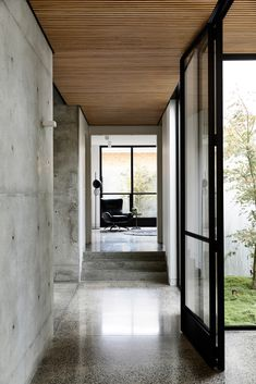 Light Vault House by Chamberlain Architects - The Brighton Concrete Bunker - The Local Project Patio Interior, Apartment Interior, Home Interior Design, Exterior Design, Interior Architecture, Interior And Exterior, Concrete Architecture, Architecture Diagrams, Australian Architecture