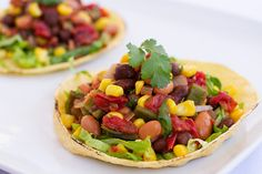 Black beans, pinto beans, tomatoes, and corn come together in these zesty vegan tacos, full of heart-healthy fiber and protein. Clean Eating Recipes, Diet Recipes, Vegetarian Recipes, Healthy Eating, Mexican Slaw, Plant Based Nutrition, Nutrition Store, Healthy Fiber, Broccoli Nutrition
