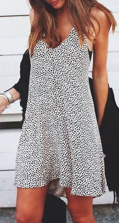 I want this dress so badly. Casual & flowy