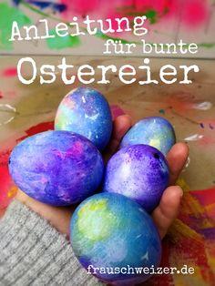 Bastel mit deinen Kids, oder auch du alleine, tolle bunte Ostereier. Die Eier sehen so als ob sie direkt aus dem All kommen. Nicht nur für Astronautenfans ein Muss! Die farbenfrohen Eier sind einfach zu machen, schauen aber nach ganz viel aus. #basteln#osterdekoration#ostereier #mitkindernbasteln#bastelnzuostern Diy Food, Easter Eggs, Material, German, Diys, Bricolage, Diy, Do It Yourself Ideas, Deutsch