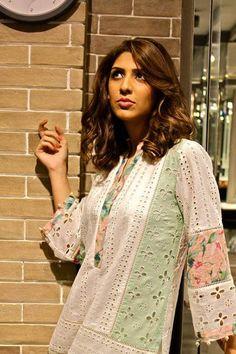 Ready, Set, Shoot: Suggy by Sughra Hasan Eid Exhibition Shoot!I lyk it Pakistani Fashion Casual, Pakistani Dress Design, Pakistani Outfits, Indian Fashion, Stylish Dress Designs, Stylish Dresses, Fashion Dresses, Kurta Neck Design, Sleeves Designs For Dresses