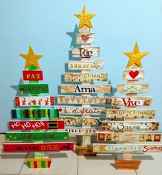 Pallet Christmas Tree, Christmas Ornaments To Make, Xmas Tree, Christmas Decorations, Holiday Decor, Christmas Art Projects, Christmas Crafts, Pintura Country, Wood Tree