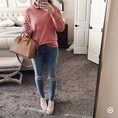 This sweatshirt on r