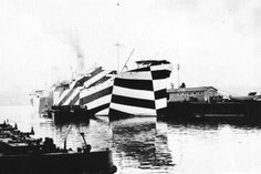 Camouflage: Becoming invisible with your surroundings is only one type of camouflage. Camofleurs call this high similarity or blending camouflage. But camouflage can also take the opposite approach. Thinking about visual perception. Dazzle Camouflage, Camouflage Patterns, Razzle Dazzle, World War One, Grafik Design, Nocturne, Battleship, Op Art, Optical Illusions