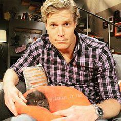Instagram media drchris_pt_fas - Cat or vet? ♡♡♡♡♡ coisinhas fofas :) eheheheh #drchrisbrown #bondivet #veterinarioalrescate #sydney #australia #instacool #instacat #lovecats #animallovers #rescue #animalrescue #kitten #cat #bondi #vet #gatinho #gato #catsofinstagram