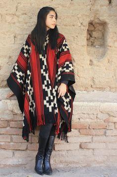 "PONCHOS DE GUARDA ATADA ""FAMILIA AVAR SARACHO"" Me Too Shoes, Kimono Top, Outfits, Women, Fashion, Fabrics, Tied Up, Shawl, Pickup Trucks"