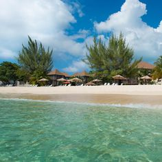 Take a dip in the crystal clear waters of the Caribbean Sea, relax by the pool or take a stroll on the beach - all right on our doorstep here at Plantana! #Wanderlust #Caribbean #Travel #Beach #Paradise #Sea #Sand #CaymanIslands